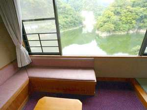 帝釈峡観光ホテル錦彩館:すべてのお部屋から神龍湖が望めます
