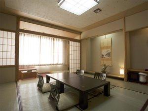 帝釈峡観光ホテル錦彩館:和室は12.5畳の広さがあります