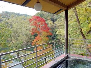 帝釈峡観光ホテル錦彩館:露天風呂からは神龍湖が見わたせます