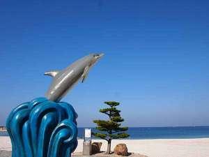 白良浜のイルカのシャワー