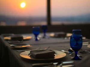 ■フレンチレストラン シェ・ルカ:夕暮れ時も素敵な風景