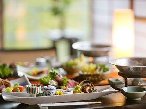 料理人厳選の旬菜を、海の幸とお楽しみ下さい