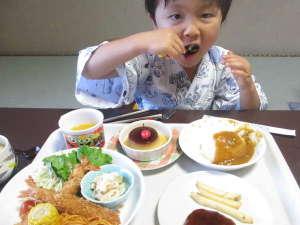 扇野の宿 扇芳閣:ファミリー旅行も歓迎!(^^)!幼児の方向けの夕食一例。