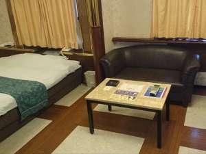 ホテル伊丹:ダブルルーム