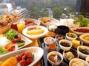金沢ニューグランドホテル:【フランス料理・ロワ】朝食は和洋バイキング♪地物の食材をふんだんに使ってます!