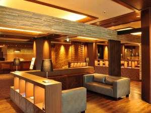 八幡平マウンテンホテル(旧八幡平リゾートホテル):【ウェルカムロビー】落ち着いた空間へ生まれ変わりました。