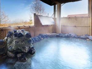 八幡平マウンテンホテル(旧八幡平リゾートホテル):【大浴場】大自然の中で過ごした後は、癒し効果抜群の名湯へ。