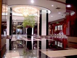 立川グランドホテル:1階ロビー 入口