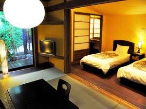 奥阿蘇の宿 やまなみ:【露天風呂付き客室】和の寛ぎと洋の快適さが融合した客室でゆったりとお寛ぎ下さい。