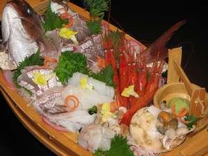 呉羽ハイツ:富山自慢の海の幸をふんだんに使った『宝船』。是非ご賞味下さい。