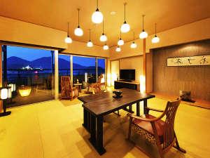 鞆の浦温泉 汀邸 遠音近音(みぎわてい をちこち):◆アッパースイート客室◆ダイニングテーブルを囲うお部屋食が実現。最上級客室で気兼ねない、ひとときを。