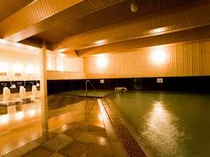 川湯第一ホテル 忍冬(SUIKAZURA):壁に道産のトドマツを使用したモムニの湯
