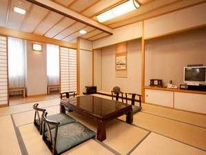 新幹線が見下ろせる客室~和室12.5畳~