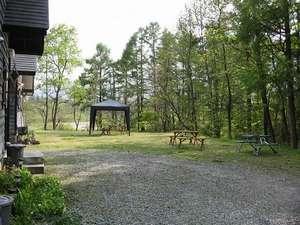温宿 田舎家:夏は庭でバーベキュー