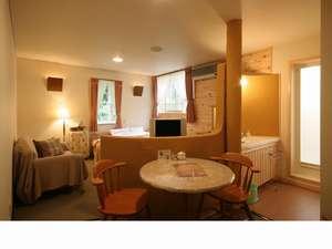 プライベートハウス アースウインド:ツリーハウス風露天風呂つきプチスイートルーム