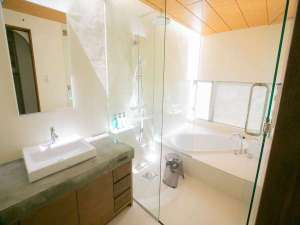 新客室オリエンタルデラックスルームのバスルーム