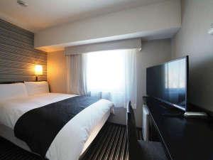 アパホテル<新宿御苑前>:ダブル(広さ11㎡/ベッド幅142cm×1台)