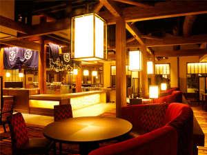 湯元こんぴら温泉華の湯紅梅亭:【割烹ダイニング丸忠】古い酒蔵の木材を移築した梁が印象的なレストランです。