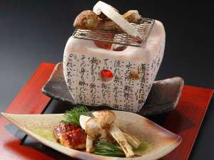 秋といえば松茸!松茸といえば炭火焼き!国産松茸をもっとも贅沢に楽しめる一品。