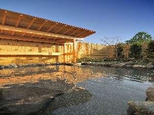 山中湖富士松温泉 富士松園ホテル:富士を望む湯けむり露天風呂