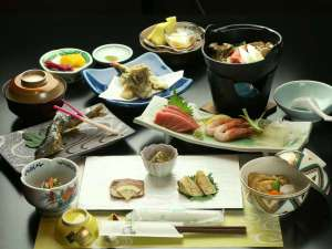 草津温泉 いで湯荘:旬の旨みがぎっしりヘルシー!季節鍋プランのお料理。季節ごとに変わる内容も楽しみ♪