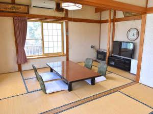黒石温泉郷落合温泉 かねさだ旅館:*【客室一例】畳のお部屋でゆっくりとおくつろぎください。