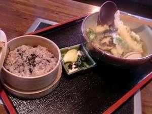 夜久野高原温泉 やくの荘:人気商品復活黒豆せいろと天婦羅そば