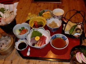 夜久野高原温泉 やくの荘:2食付きのある日の夕食