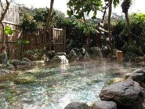 下田海浜ホテル:2階 露天風呂 緑をモチーフとした露天風呂となります