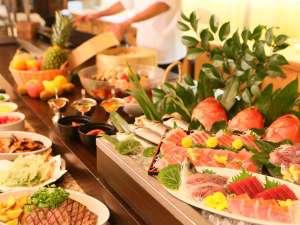 ウェルネスの森 伊東:★金目鯛などの新鮮なお刺身、和食、中華のメニューが魅力の夕食バイキング