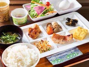 スーパーホテル広島:無料健康朝食(日替わりで6~8種類ご用意しております)