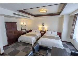 藤沢ホテル:お部屋は広々14平米~☆WI-FI接続無料☆40型TV☆DVD完備☆