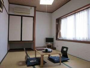 旅館千登勢屋:6畳和室通常2~3名様にご利用いただいております