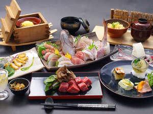 御宿 風月無辺:風花懐石:当館おすすめの上級コースです。伊豆の味覚、贅沢素材をお楽しみ下さい。