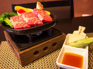 湯心の宿 旅館いちかわ:静岡産和牛陶板焼き
