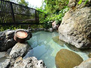 旅籠 しび荘:露天風呂/とろとろ美肌の湯を贅沢に掛け流し!夜には満点の星空が広がります
