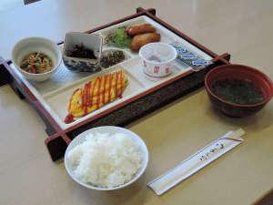 八田温泉 湧暇李の里 樹園:*朝食一例/ふっくら炊き上げたご飯が進む純和風の和食をご用意しております。