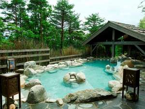 湯宿季の庭