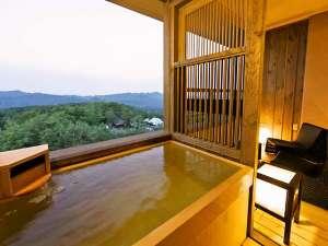 湯宿 季の庭(ときのにわ):【客室】露天風呂から景色の望みながら、温泉をお愉しみ頂けます。