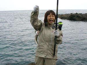リフォレ積丹ユースホステル:積丹半島は釣りのメッカ。一年を通して釣りを楽しめます。来たれ釣りガール!!