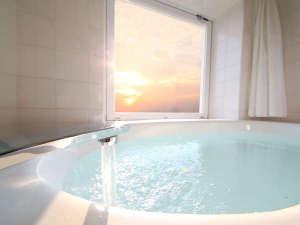 和歌山マリーナシティホテル:【絶景オーシャンビューバスは洗い場付】※オーシャンビューバス・バルコニールーム
