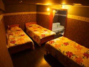 CoCoホテル 新都心:3ベッドのファミリールーム