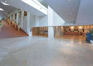 関西エアポートワシントンホテル:広くて明るいロビー♪