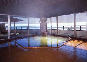 あじろ磯舟ホテル:緑色の神秘的な温泉 大浴場「弘法の湯」ご婦人湯