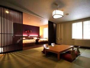 嬬恋の宿 あいさい:【和モダンスイート】6名様定員、和室のリビングと板の間の寝室。間接照明もお部屋の雰囲気を演出します
