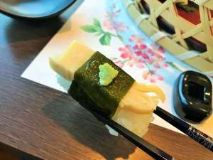 【夕食:2017春】筍寿司のワカメ巻き