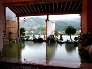 咲花温泉 河畔の宿 碧水荘:貸切露天風呂エメラルドグリーンの【美肌の湯】