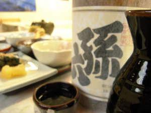 孫六温泉:*当館名がラベルに入った日本酒もございます。