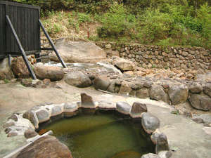 孫六温泉:*4種の源泉を楽しめる宿。旅の疲れを流しましょう。