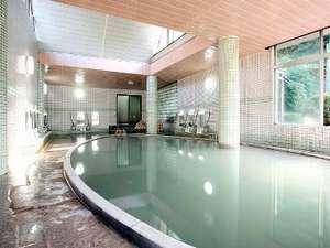 100%源泉掛け流しの宿 雲仙スカイホテル:絹笠の湯(大浴場)温泉浴場では雲仙でNo1の広さ!